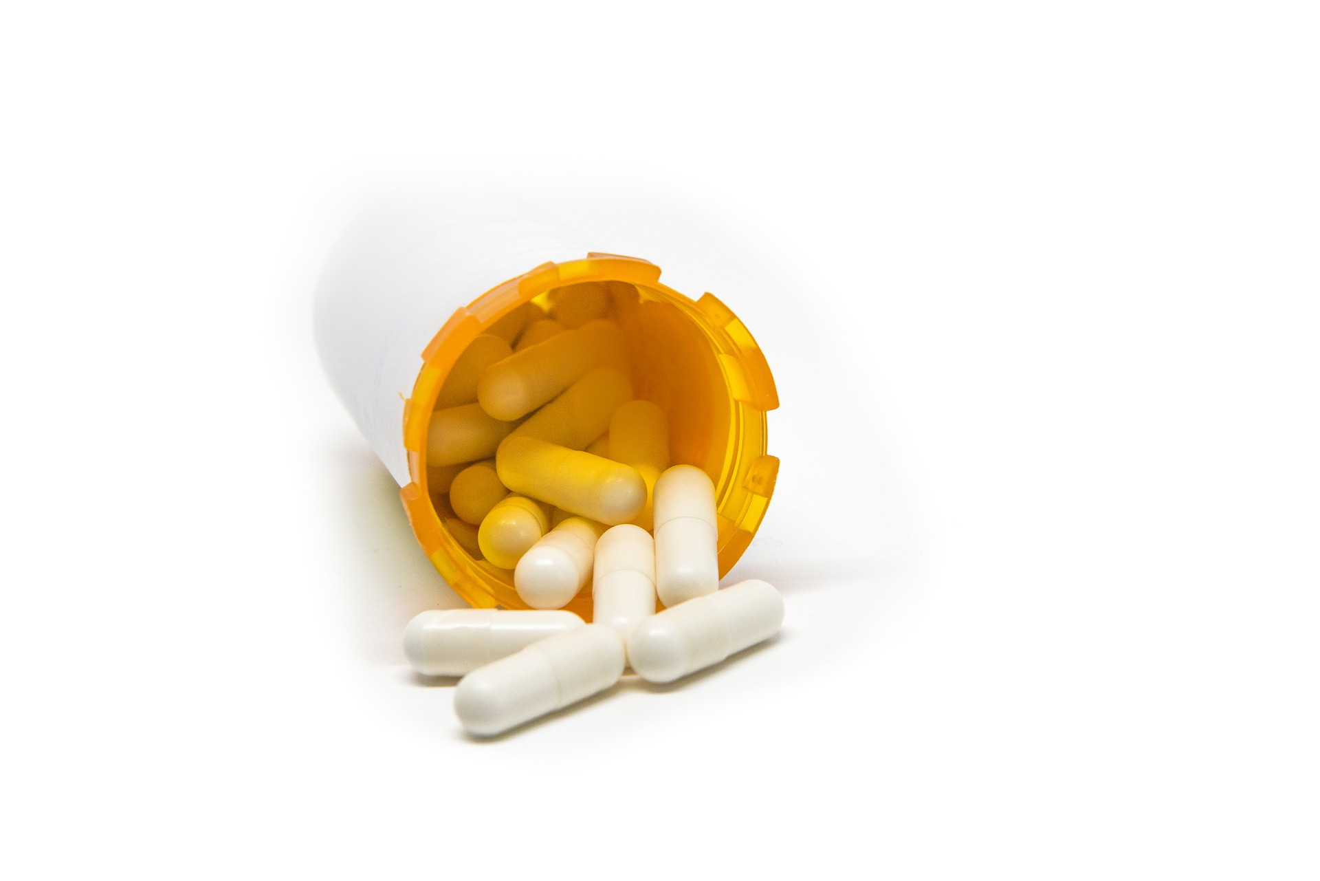 image of bottle of pills for blog about antibiotic alerts